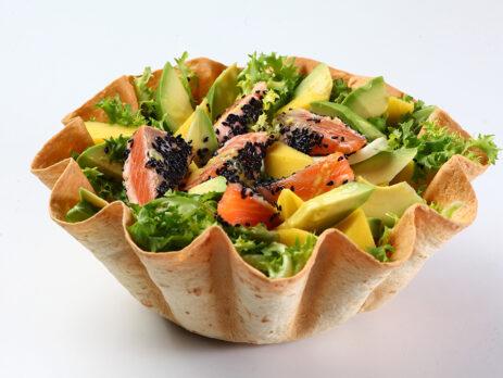 insalata di mare in cestino di pane